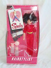Vintage Pedigree Sindy Hairstylist Doll in original box. Brunette Beautiful