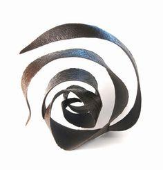 molts - Sarah-Jeanne Bellaiche, ceramist. Creating contemporary ceramics in Britain.