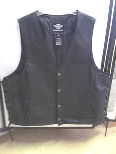 Harley Davidson Classic Leather Vest 3XL Pre Owned Please Retweet