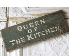 Simple and Crazy Tricks: Kitchen Decor Table Tutorials fall kitchen decor beauti Kitchen Cabinets Decor, Diy Kitchen Decor, Kitchen Signs, Kitchen Wood, Kitchen Ideas, Bakers Kitchen, Boho Kitchen, Rustic Centerpieces, Table Decorations