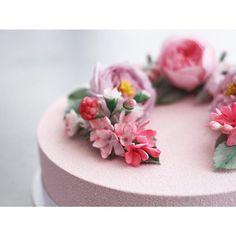 ⠀⠀⠀⠀⠀⠀⠀⠀⠀⠀⠀⠀Elena Goncharova @sofalisa_cakes #sugarflowers #saga_cake #сахарныецветы Инстаграм фото   Stapico (Webstagram)