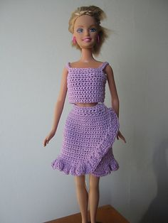 Ravelry: Wrap Around Ruffle Skirt pattern by Lynne Sears    and more free patterns fot barbie