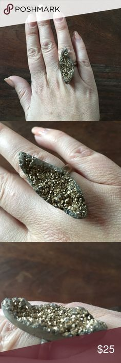 Free people pyrite Druzy ring 7 Rustic and in good condition. Brass/gold size 7 Free People Jewelry Rings