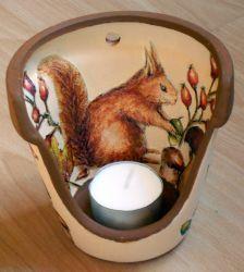 Windlicht Eichhörnchen  http://bastelzwerg.eu/herbstliches-Windlicht-Eichhoernchen-und-Waldfruechte?source=2&refertype=1&referid=5