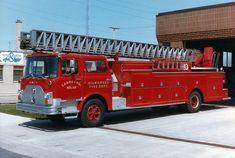 Milwaukee, WI Fire Dept. Ladder 10 ★。☆。JpM ENTERTAINMENT ☆。★。