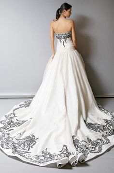 Love how you can see all the intricate detailing! - Wedding dress | St. Pucchi, Spring 2013
