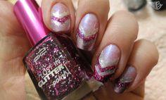 "NailArt Inspiration: Rose Sparkle – Triangle Nails ""Pink & Proud"" mit dem p2 cosmetics LOSTINGLITTER POLISH in der Farbe 070 go crazy!  http://www.beangels-blog.de/nailart-inspiration/"