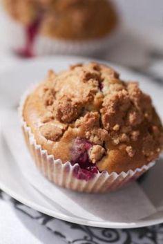 Rhubarb+Crumb+Cake+Muffins