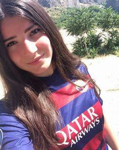 Bella Hot Football Fans, Football Girls, Soccer Fans, Beautiful Saree, Beautiful Women, Spanish Girls, Soccer World, And Just Like That, Bikini Girls