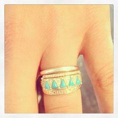 turquoise and diamonds// rings// via stone fox bride