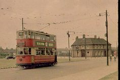 The Yorkshire Grey in Eltham Green, now a drive-in McDonalds, remember these trams they were very noisy. London History, Local History, Family History, Antique Pictures, Historical Pictures, Vintage London, Old London, London Transport, Public Transport