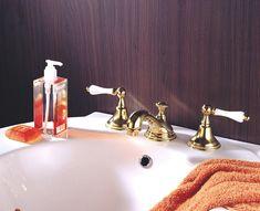 JODENの蛇口は、アイエム水栓金具の中で人気シリーズです。洗面シーン全体を華やかな印象にするなら、ゴールド(ブラス)色がおすすめ。 #JODEN #JODEN水栓 #アイエムリビング #蛇口 #洗面所 #輸入水栓 Sink, Water, Home Decor, Sink Tops, Gripe Water, Vessel Sink, Decoration Home, Room Decor, Vanity Basin