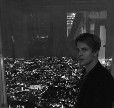 Over the cityscape. Tom Peters, Tom Odell, Music Tv, 5 Seconds Of Summer, Pretty People, Famous People, Tv Series, Celebrities, Celebs