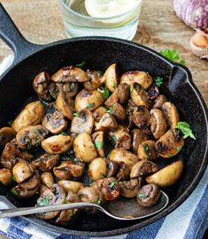 This quick and easy, yet flavourful, mushroom dish makes a delicious starter, tapas or side dish for any meal. Mushroom Dish, Mushroom Recipes, Tasty Dishes, Side Dishes, Vegan Fried Chicken, Vegan Fries, Sweet Chilli Sauce, Sauteed Mushrooms, Stop Eating
