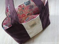 Handmade Clutch, Handmade Bags, Purse Patterns, Sewing Patterns, Clutch Purse, Coin Purse, Japanese Patterns, Sewing Tutorials, Messenger Bag