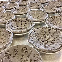 Kinder pattern bowls