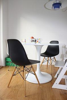 maison original vs replika der eames plastic chair. Black Bedroom Furniture Sets. Home Design Ideas