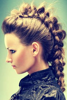 How To Do A Braided Mohawk. inside out braid pulled and tweaked! Muscarella can I do this to your hair? Bow Braid, Mohawk Braid, Braid Hair, Faux Hawk Braid, Girl Mohawk, French Braid Mohawk, Long Hair Mohawk, Head Braid, Undercut Hairstyle