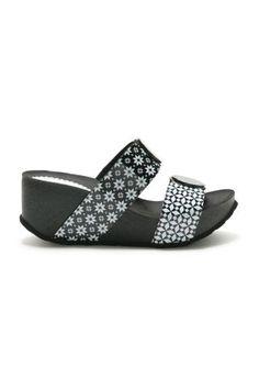 Dámské Boty Desigual / Different. Home Wrecker, Iron Fist, Flats, Sandals, Reebok, High Heels, Converse, Platform, Shoes