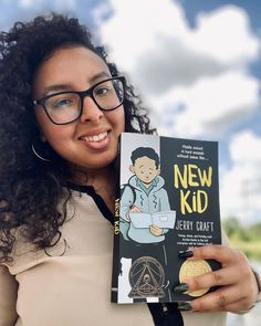Perfect for fans of Raina Telgemeier and Gene Luen Yang, New Kid is a timely, honest graphic novel about starting over at a new school where diversity is low and the struggle to fit in is real, from award-winning author-illustrator Jerry Craft.   📸 @jessreadit National Book Store, King Author, Books For Tweens, Newbery Medal, Coretta Scott King, Between Two Worlds, Wedding With Kids, Second World, New Kids