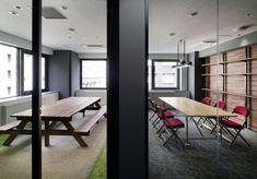 Hakuhodo's office (Wall)