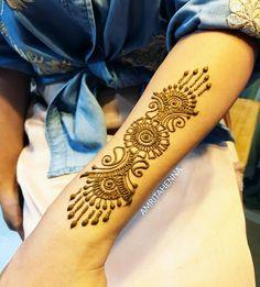 A simple arm henna design that I love to do ❤️ - Easy Simple Mehendi - Henna Designs Hand Henna Hand Designs, Tatoo Designs, Mehndi Designs, Henna Ink, Hand Henna, Simple Henna, Mehendi Simple, Art Deco Mirror, Bridal Henna