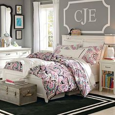 Ideas For How To Decorate The Space Above Your Bed. Teenage Girl ...