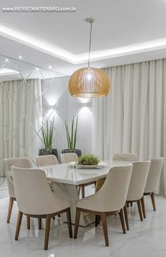 Dining Room Table Decor, Dining Room Design, Living Room Decor, Dining Room Decor Elegant, Tiny Dining Rooms, Luxury Dining Room, Home Room Design, Home Interior Design, Elegant Home Decor