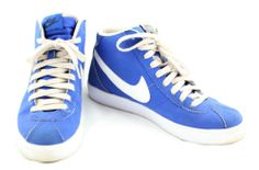 Nike Royal Blue High Top Shoes – Mens 8.5 www.TheConsignmentBag.com We ship Worldwide to your door.  Follow and share with your friends...New items arrive daily!  Don't miss a day!