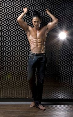 Jo Dong-hyeok's muscular body lines are revealed @ HanCinema :: The Korean Movie and Drama Database