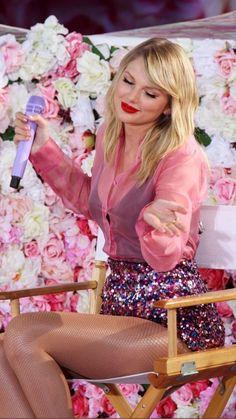 Taylor Swift Legs, Long Live Taylor Swift, Taylor Swift Album, Taylor Swift Pictures, Taylor Alison Swift, Selena, Miss Americana, Taylor Swift Wallpaper, Swift Photo