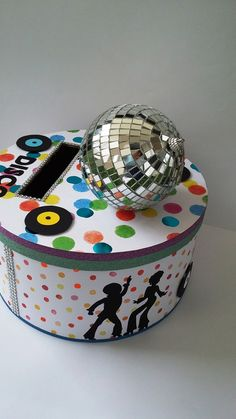 Urne disco , boule à facette, disque vinyle, silhouettes disco, mariage, anniversaire, retraite ... - Un grand marché Deco Disco, Music Crafts, Disco Party, Opening Day, Party Themes, Decorative Boxes, The Originals, Birthday, Cake