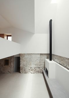 White spacious house design with brick elements and fireplace. House in Serra de Janeanes. Space Architecture, Contemporary Architecture, Interior And Exterior, Interior Design, Rustic Stone, Weekend House, Interior Inspiration, Color Inspiration, House Design