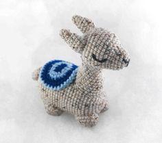 Amigurumi Flamingo Free Pattern - Amigurumi Daily Crochet Gratis, Crochet Patterns Amigurumi, Amigurumi Doll, Crochet Hooks, Free Crochet, Crochet Baby Toys, Crochet Animals, Cute Llama, Crochet Pumpkin