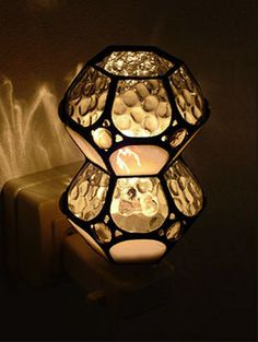07 Stained Glass Light, Stained Glass Crafts, Stained Glass Patterns, Tiffany, Candle Lanterns, Candles, Glass Terrarium, Glass Boxes, Mosaic Designs