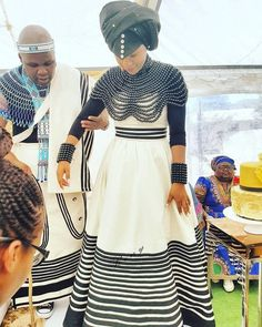 afrikanisches kleid Tswana Traditional Wedding Dress New Xhosa Traditional Dresses for Weddings Xhosa Attire, African Attire, African Wear, African Women, African Dress, African Style, African Beauty, African Traditional Wedding, African Traditional Dresses