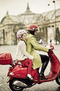 Going somewhere on les Champs-Elysées