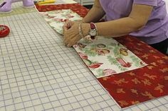 31 Days of Holiday Gifts: Day Minute Table Runner Tutorial 20 minute table runner Table Runner And Placemats, Crochet Table Runner, Quilted Table Runners, Table Runner Tutorial, Table Runner Pattern, Christmas Sewing, Christmas Crafts, Christmas Stuff, Christmas Patchwork