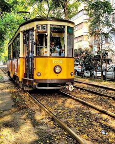 Dica 33.... #milanodavedere Tram Milano Foto di : @massimoalbertoni Milano da Vedere