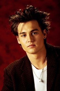 Johnny Depp, 1987, male actor, sexy guy, steaming hot, charming young, hair style, portrait, photo