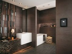 carrelage-salle-bain-marron-mosaique-brillante carrelage de salle de bains