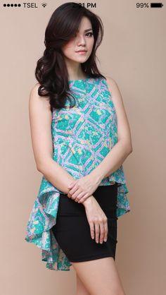Short Kurti Designs, Kurta Designs, Blouse Designs, Blouse Batik, Batik Dress, Batik Fashion, Dress Neck Designs, Frock Design, Up Girl