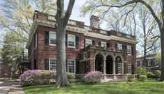 1905 Historic Brick House For Sale In Saint Louis Missouri Villas, Casa Hotel, Lead Windows, Greenwich Connecticut, Old Houses For Sale, English Manor, Mansions For Sale, Grand Staircase, Marble Staircase