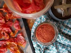 Dehydrated Tomato Peels used to Make Homemade Tomato Paste Tomato Paste Uses, Tomato Paste Recipe, Homemade Tomato Paste, Homemade Egg Noodles, Canning Stewed Tomatoes, Tomato Jam, How To Peel Tomatoes, Printable Recipe Cards, Home Food