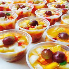 Como fazer salada de frutas para vender, como armazenar e quanto cobrar por cada salada de frutas. Aqui eu vou esclarecer suas duvidas e te dar uma receita de salada de frutas para vender em casa, na rua ou por encomenda. Vou ensinar por quanto vender uma salada de fruta, como armazenar, onde vender salada de fruta.