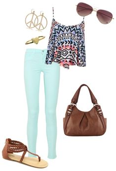 Cute tribal shirt and subdued colored jeans with neutral flat sandals and fun accessories! Summery and casual. Summer Outfits For Teens, Casual Summer Outfits, Spring Outfits, Teen Summer, Outfit Summer, Summer Clothes, Summer Ray, Style Summer, Summer 2016