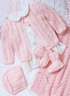 Knitting for Babies Pink Layette Free Knitting Pattern Knitting for Babies Pink Layette Free Knitting Pattern. Perfectly Pink Layette design by Carole Prior. Knit Baby Sweaters, Knitted Baby Clothes, Baby Knits, Knitted Baby Cardigan, Knitting For Kids, Free Knitting, Free Crochet, Knitting Needles, Layette Pattern