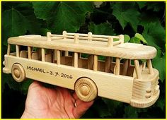 Autobus hračka Busse, Wooden Toys, Car, Wooden Toys For Kids, Promotional Giveaways, Birthday, Handarbeit, Weihnachten, Wood Toys