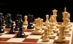 Debido a que uno de mis deportes es el ajedrez, veo la vida como un tablero y me gusta hacer estrategias básicas para conseguir mis objetivos.