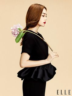 Elle Vietnam January 2015 | Minh Hang by Zhang Jingna, #styling Phuong My. #flower #ss15 #photography